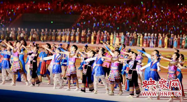 第十一届全国少数民族传统体育运动会结束 尤权宣布闭幕