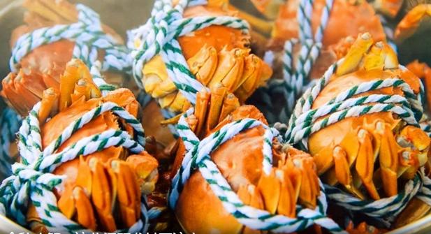 金秋吃蟹 伤风发热者、心脑血管疾病患者等不宜吃