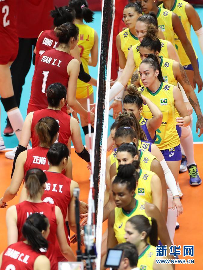 女排世界杯:中国队六连胜 3比2战胜巴西队