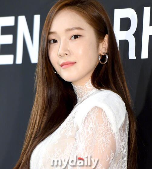 郑秀妍将出版小说《Shine》并电影化