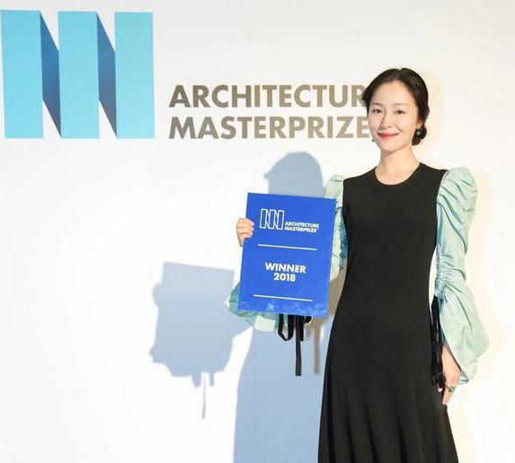 江一燕獲建筑獎惹爭議 回應:我長的確實像頒獎嘉賓