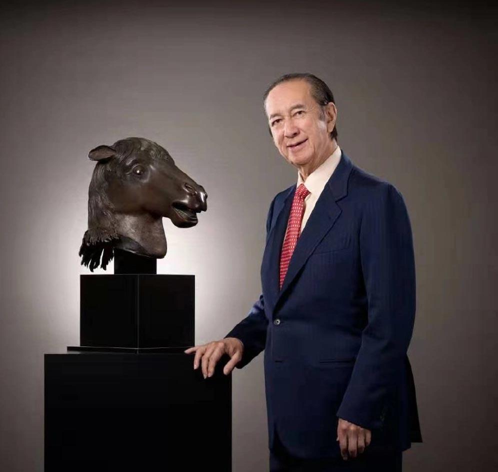 97岁赌王何鸿燊捐圆明园马首 之前曾买下猪首并捐赠给国家