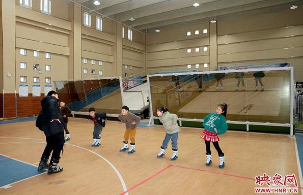郑州市澜景小学:全国首家能滑雪的小学