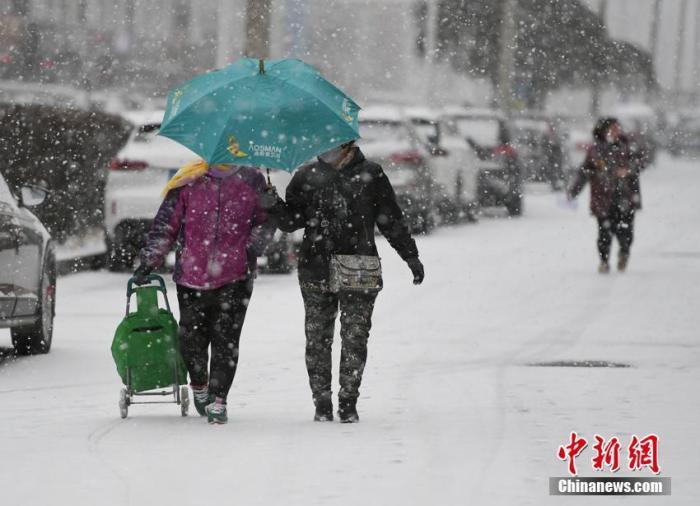 北方迎今冬以来最大范围降雪 郑州等大城市或降下初雪