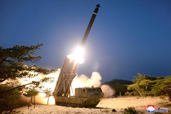 朝鲜宣布成功试射超大型火箭炮 再次确证其战术技术特性