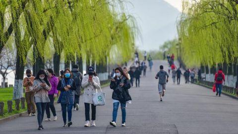 我国杭州消费券下了大功夫:买菜、拔牙、交房租都能用