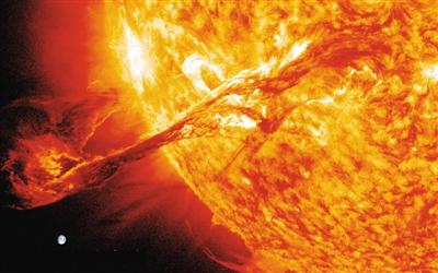 """环形耀斑与日冕变暗有关?太阳爆发活动都是""""团伙作案"""""""