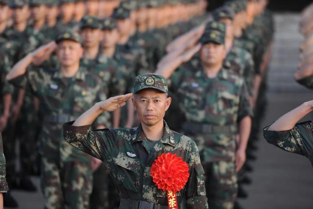 34年!這位安徽籍導彈兵王王忠心!正式退休!
