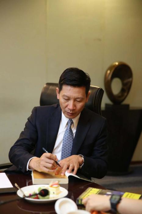 赛麟王晓麟涉嫌犯罪远遁美国 被指骗取数十亿国资 已远遁美国