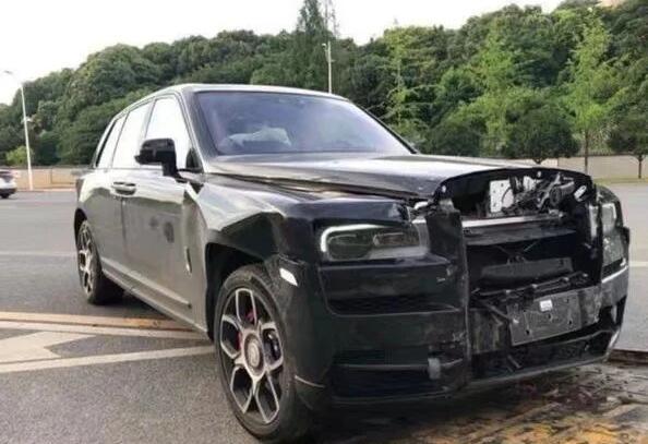 被面包车撞的劳斯莱斯 零件报价高达237.7万