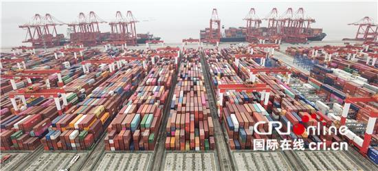 洋山四期:全球规模最大的自动化集装箱码头 有7个集装箱深水泊位