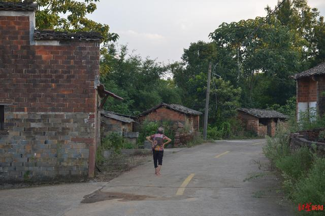 张玉环接受法院道歉 84岁的老母亲村口等着儿子回来