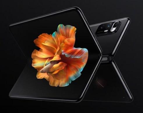 小米折叠屏手机MIX FOLD开售 有液态镜头加持