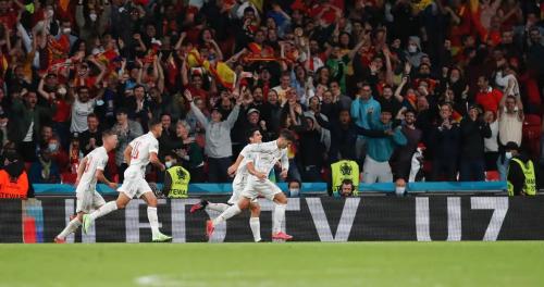 西班牙队虽败犹荣止步半决赛,球员获赠海信激光电视