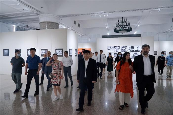 庆祝上合20周年展览推进会召开