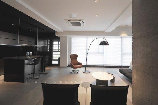 办公空间整体采用磐多魔打造的灰色调