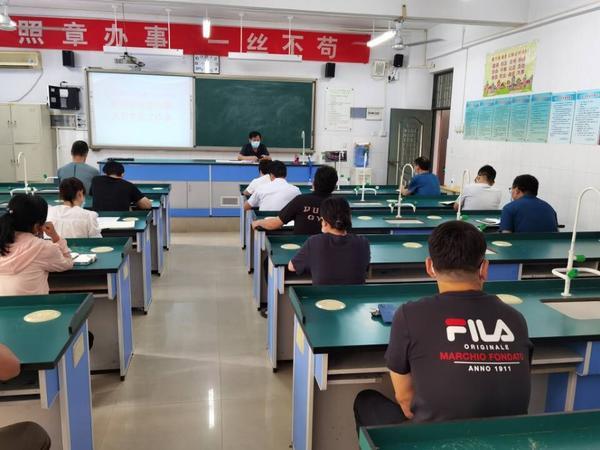 郑州市第四十四高级中学全面做好工作 保障教育教学工作顺利开展