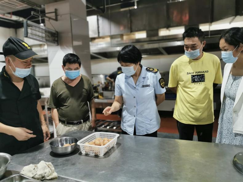 安徽省黄山市歙县:保食安 护航开学季