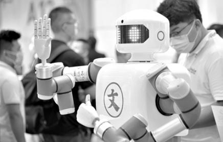 市场规模巨大 机器人产业迎升级换代窗口期